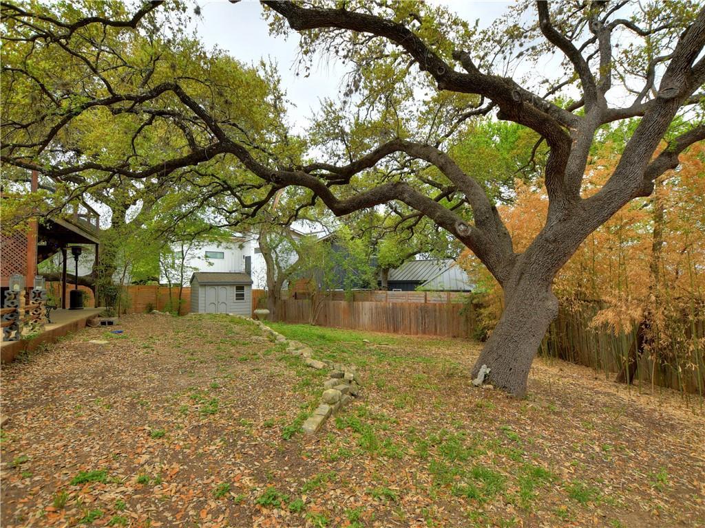 ActiveUnderContract | 1206 Reagan Terrace Austin, TX 78704 11