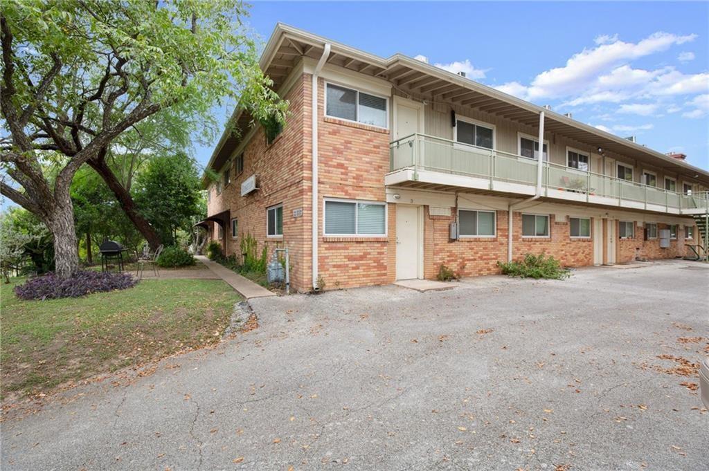 ActiveUnderContract | 304 E 33rd Street #27 Austin, TX 78705 14