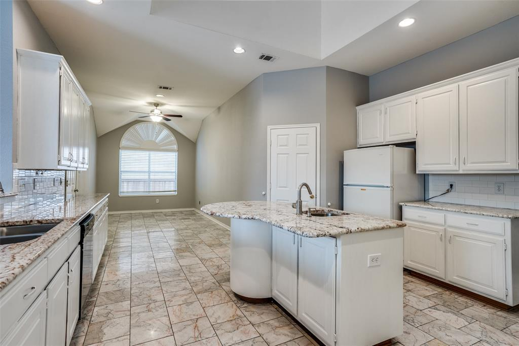 Active   617 Mossycup Oak Drive Plano, Texas 75025 11