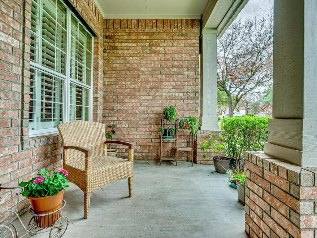 ActiveUnderContract | 2505 Avenue N Austin, TX 78727 4
