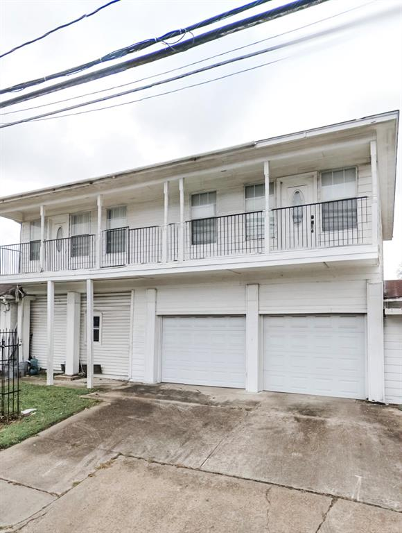 Pending | 4502 Kingsbury Street Houston, Texas 77021 2