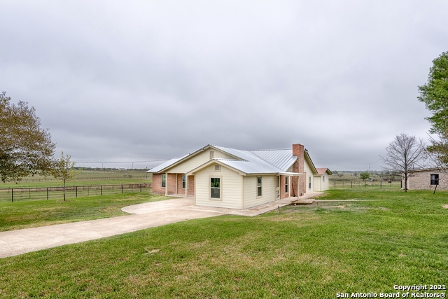 Active   264 W County Road 5719 Devine, TX 78016 5
