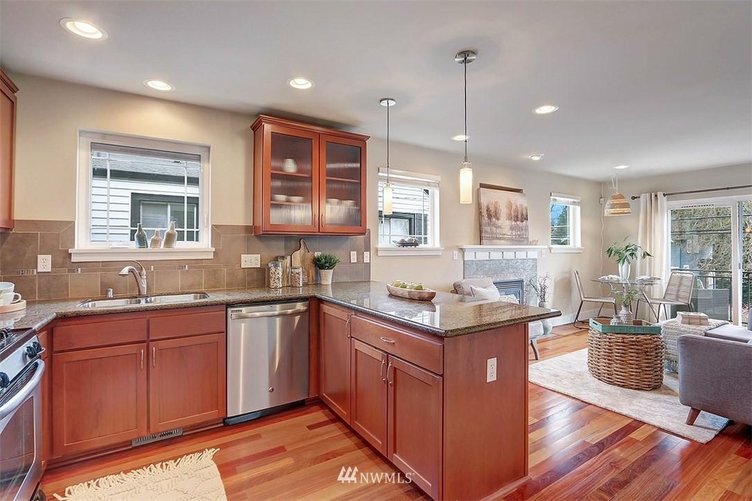 Sold Property   1409 33rd Avenue Seattle, WA 98122 7