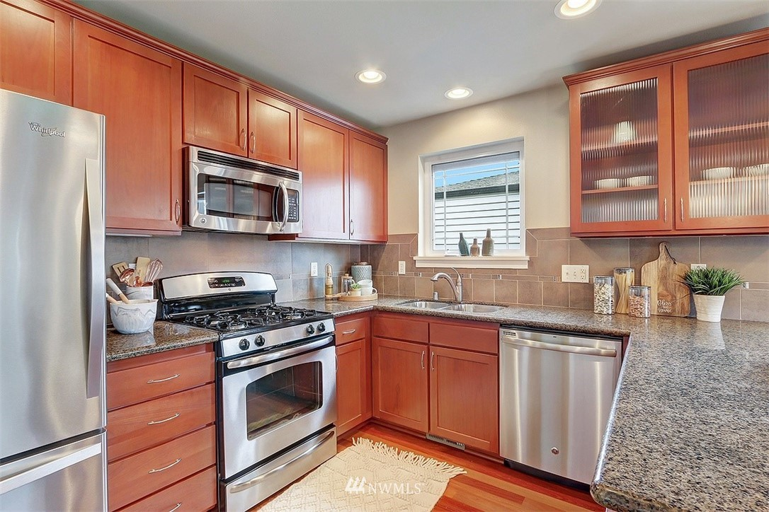 Sold Property   1409 33rd Avenue Seattle, WA 98122 8