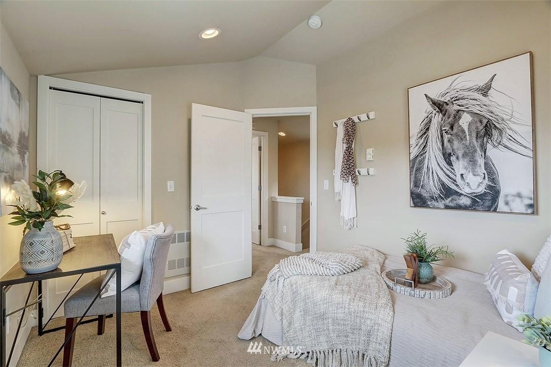 Sold Property   1409 33rd Avenue Seattle, WA 98122 13