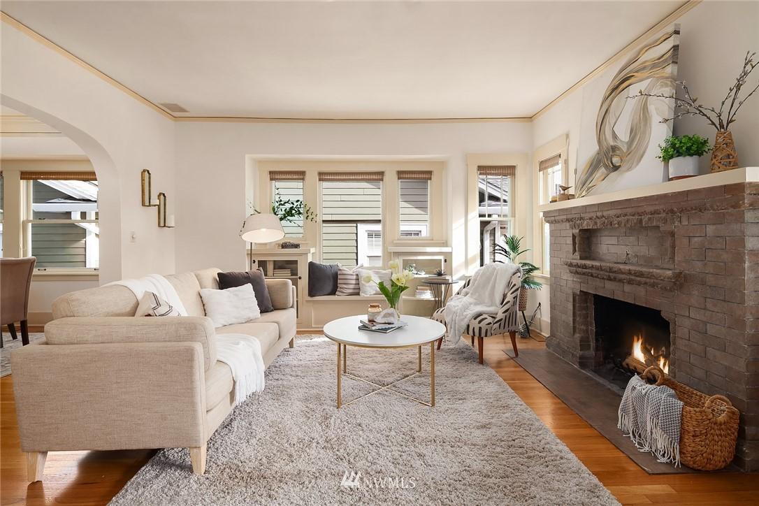 Sold Property | 2531 1st Avenue N Seattle, WA 98109 4