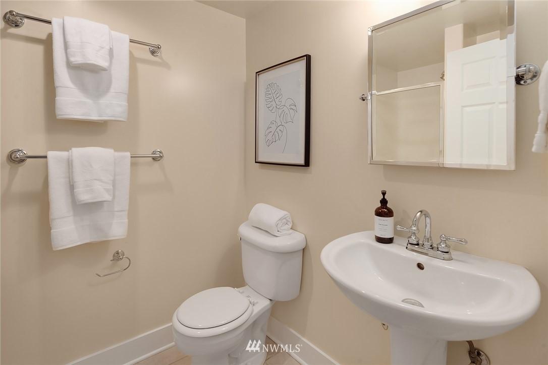 Sold Property | 2531 1st Avenue N Seattle, WA 98109 19