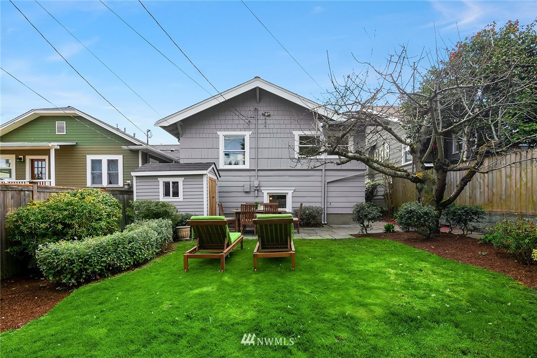 Sold Property | 2531 1st Avenue N Seattle, WA 98109 25