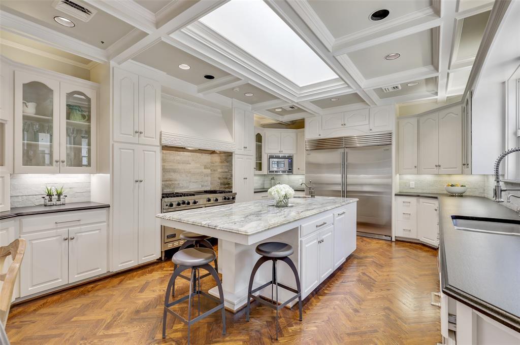 Dallas Luxury Real Estate   6606 Briar Cove Drive Dallas, Texas 75254 12
