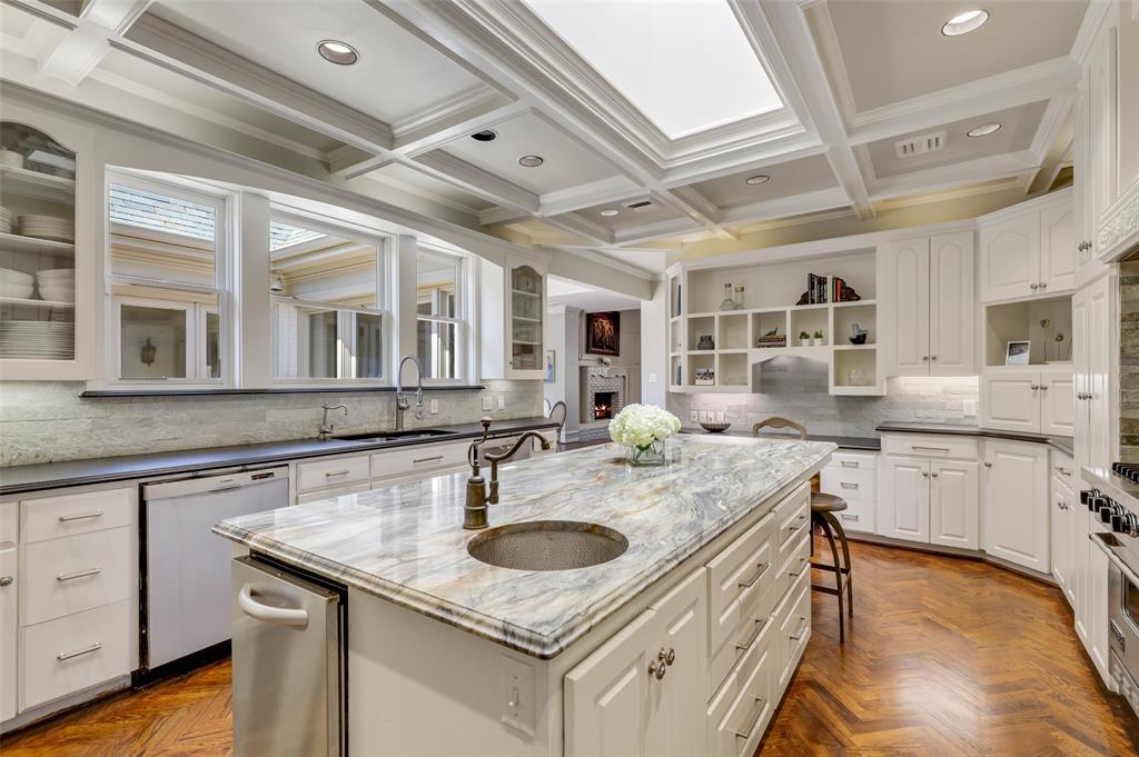 Dallas Luxury Real Estate   6606 Briar Cove Drive Dallas, Texas 75254 13