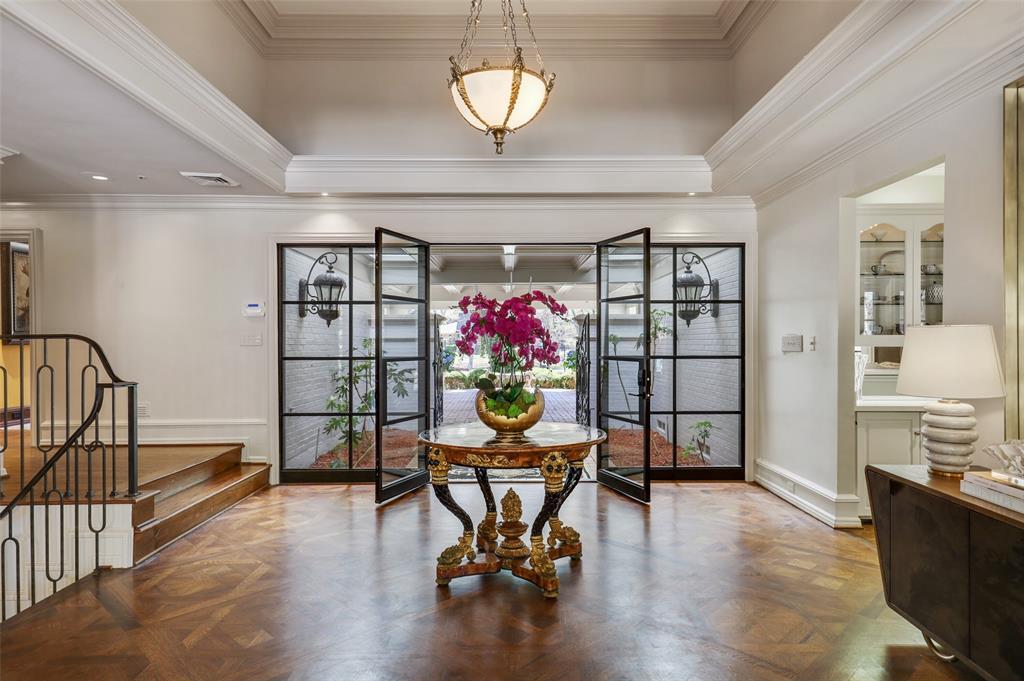 Dallas Luxury Real Estate   6606 Briar Cove Drive Dallas, Texas 75254 3