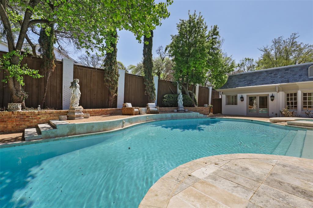 Dallas Luxury Real Estate   6606 Briar Cove Drive Dallas, Texas 75254 30