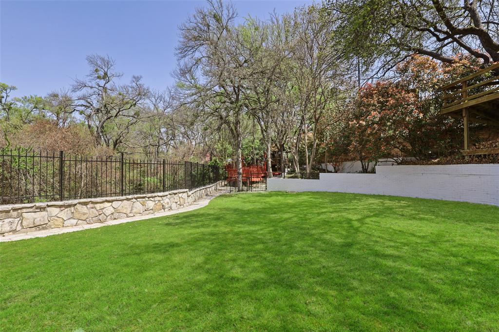 Dallas Luxury Real Estate   6606 Briar Cove Drive Dallas, Texas 75254 32
