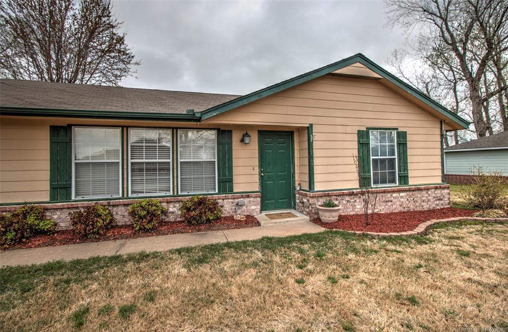 Off Market   9265 E Cherry Lane Claremore, Oklahoma 74019 0