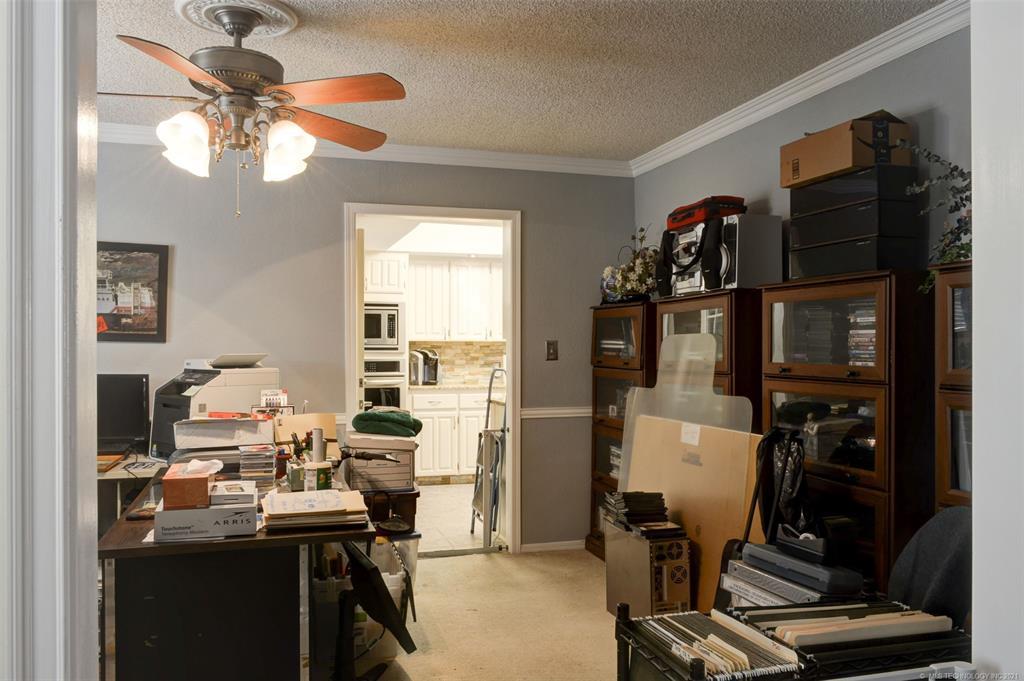 Off Market   527 N Lynn Lane Catoosa, Oklahoma 74015 34
