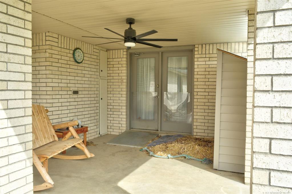 Off Market   527 N Lynn Lane Catoosa, Oklahoma 74015 38