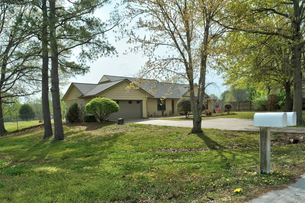 Off Market   527 N Lynn Lane Catoosa, Oklahoma 74015 3