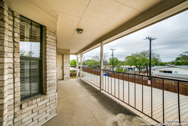 Pending | 2611 EISENHAUER RD #1603 San Antonio, TX 78209 34