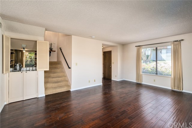 Pending | 27935 Ridgebrook Court Rancho Palos Verdes, CA 90275 3