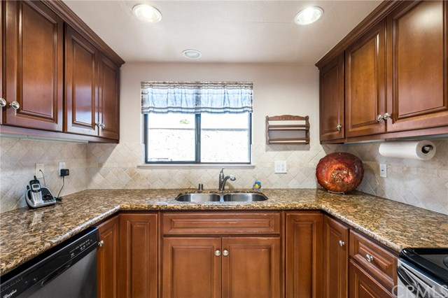 Pending | 27935 Ridgebrook Court Rancho Palos Verdes, CA 90275 11