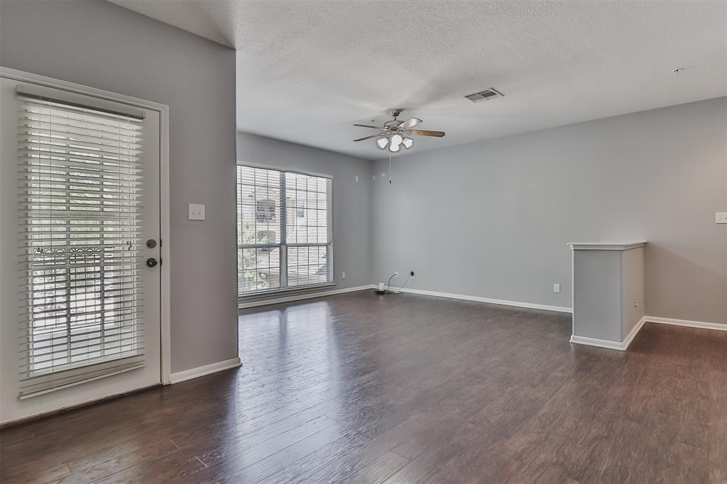 Pending | 6607 Lake Woodlands Drive #222 The Woodlands, Texas 77382 12