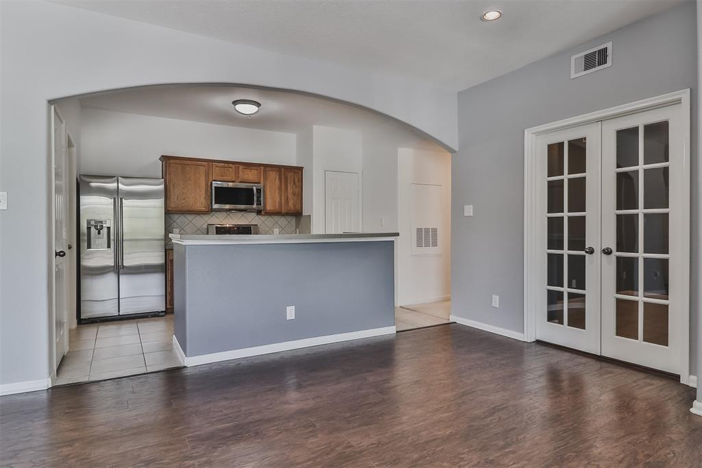 Pending | 6607 Lake Woodlands Drive #222 The Woodlands, Texas 77382 19
