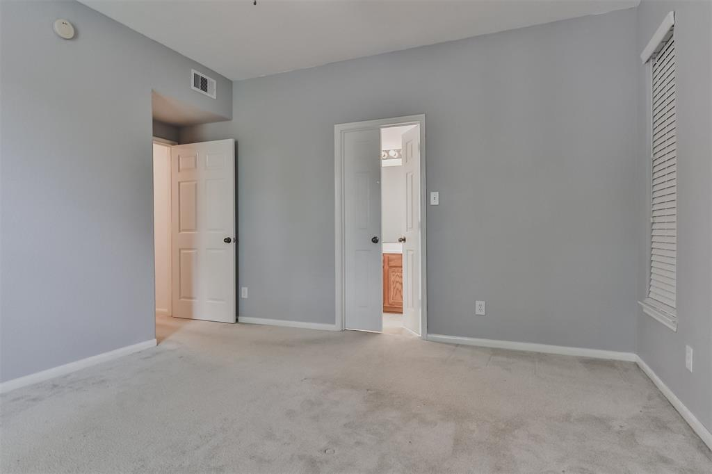 Pending | 6607 Lake Woodlands Drive #222 The Woodlands, Texas 77382 25