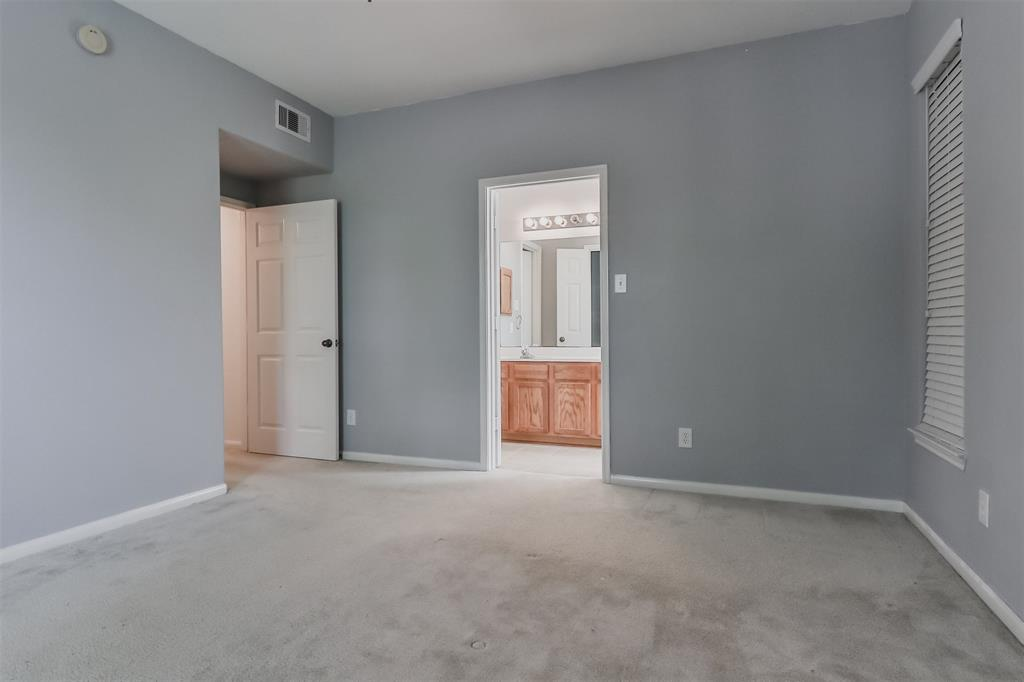 Pending | 6607 Lake Woodlands Drive #222 The Woodlands, Texas 77382 26