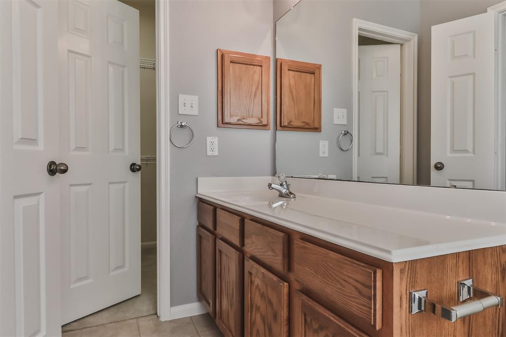 Pending | 6607 Lake Woodlands Drive #222 The Woodlands, Texas 77382 31