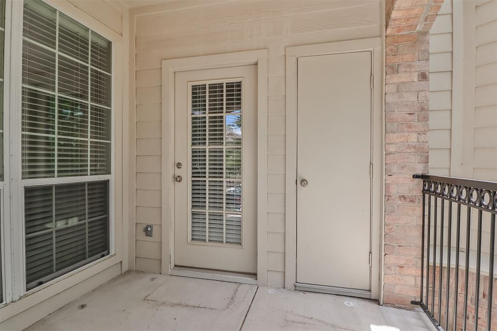 Pending | 6607 Lake Woodlands Drive #222 The Woodlands, Texas 77382 36