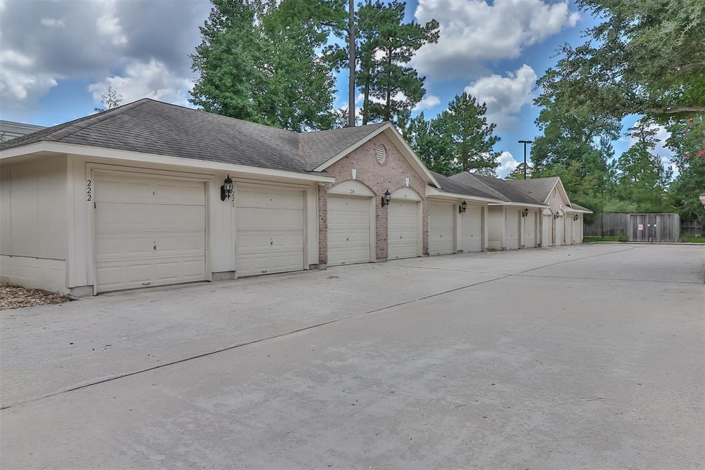 Pending | 6607 Lake Woodlands Drive #222 The Woodlands, Texas 77382 39