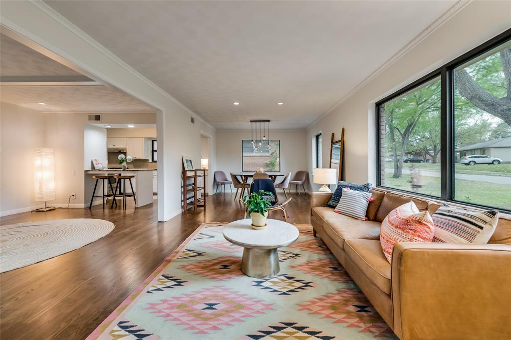 Sold Property | 6274 Saint Albans Drive Dallas, Texas 75214 3