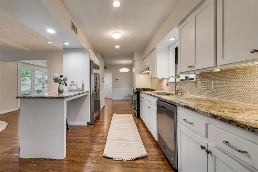 Sold Property | 6274 Saint Albans Drive Dallas, Texas 75214 8