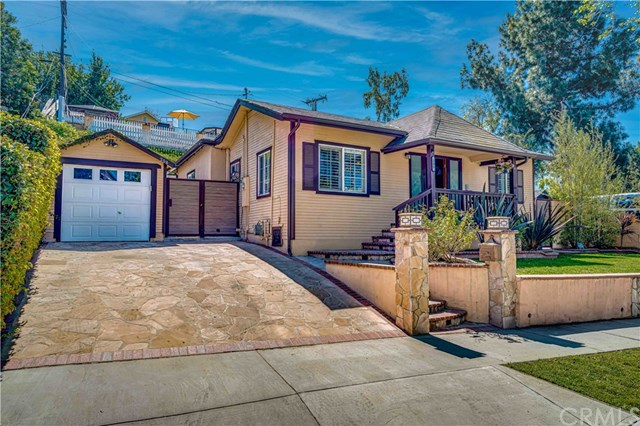 Closed | 208 E Ellis Avenue Inglewood, CA 90302 2