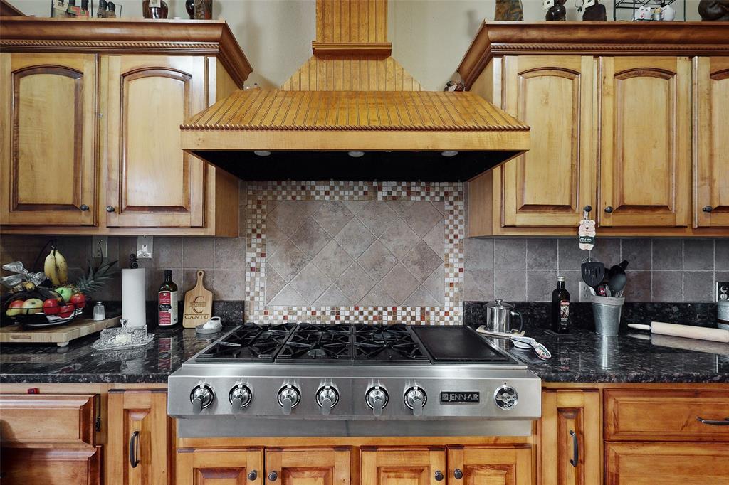 Sold Property   12534 Ravenview Road Dallas, Texas 75253 13