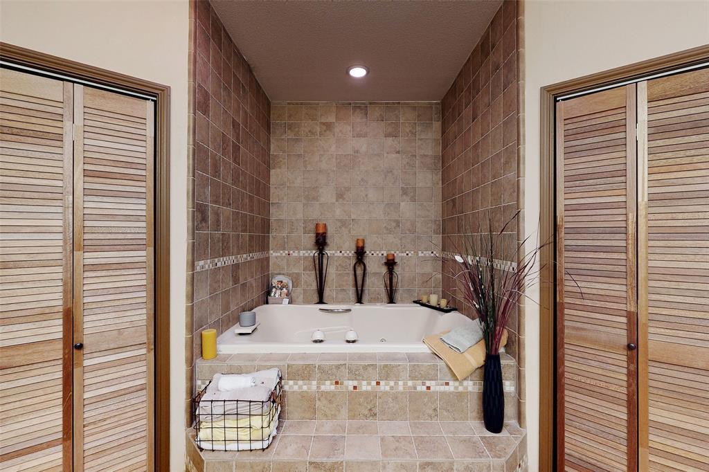Sold Property   12534 Ravenview Road Dallas, Texas 75253 19