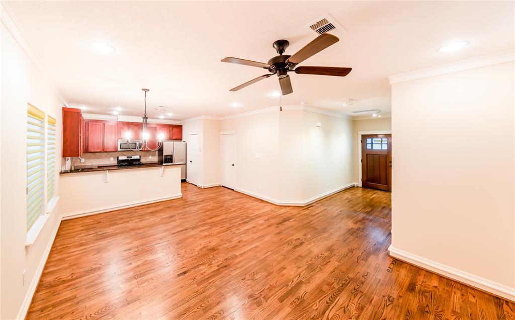 Pending | 5924 Petty Street #B Houston, Texas 77007 2