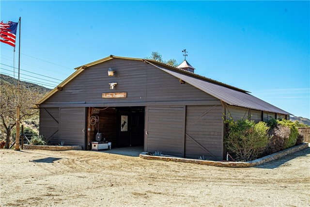 Active | 34729 Petersen Road Agua Dulce, CA 91390 9