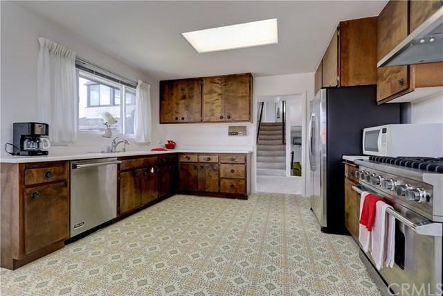 Active Under Contract | 6405 Le Blanc Place Rancho Palos Verdes, CA 90275 6