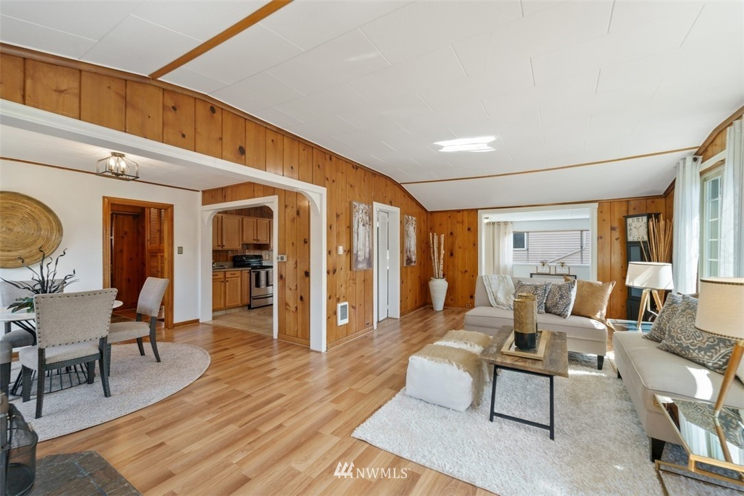 Sold Property | 5408 S Budd Court Seattle, WA 98118 3
