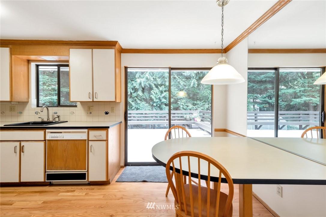 Pending   1711 NE 104th Street Seattle, WA 98125 7