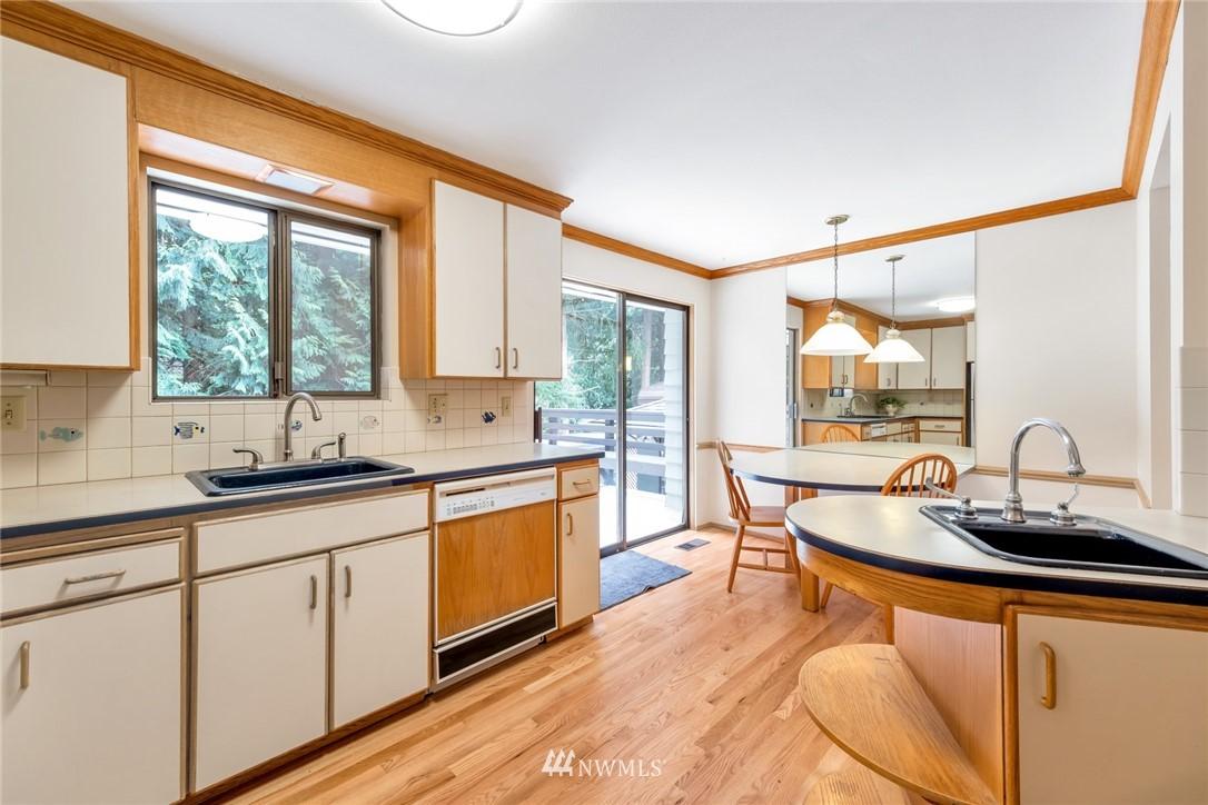 Pending   1711 NE 104th Street Seattle, WA 98125 8