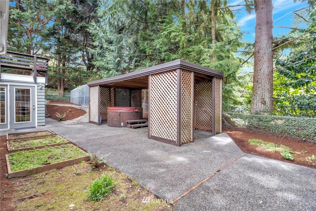 Pending   1711 NE 104th Street Seattle, WA 98125 31