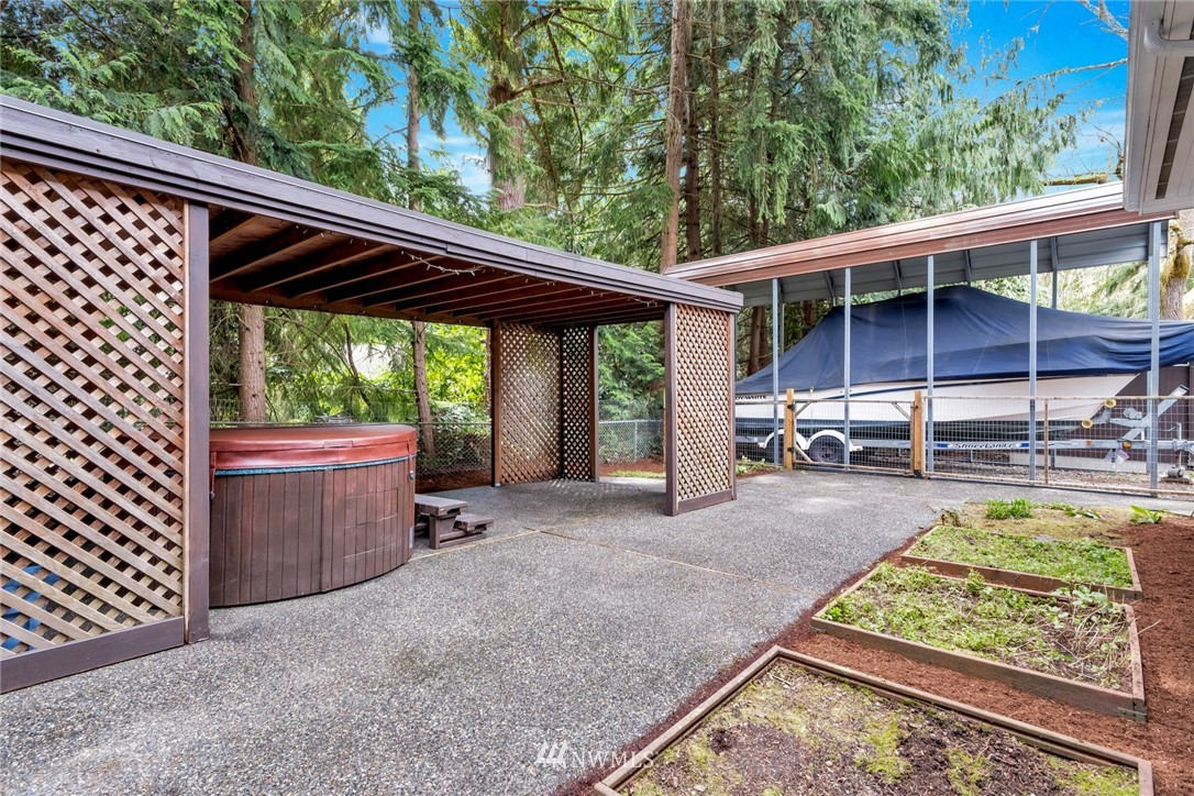 Pending   1711 NE 104th Street Seattle, WA 98125 33