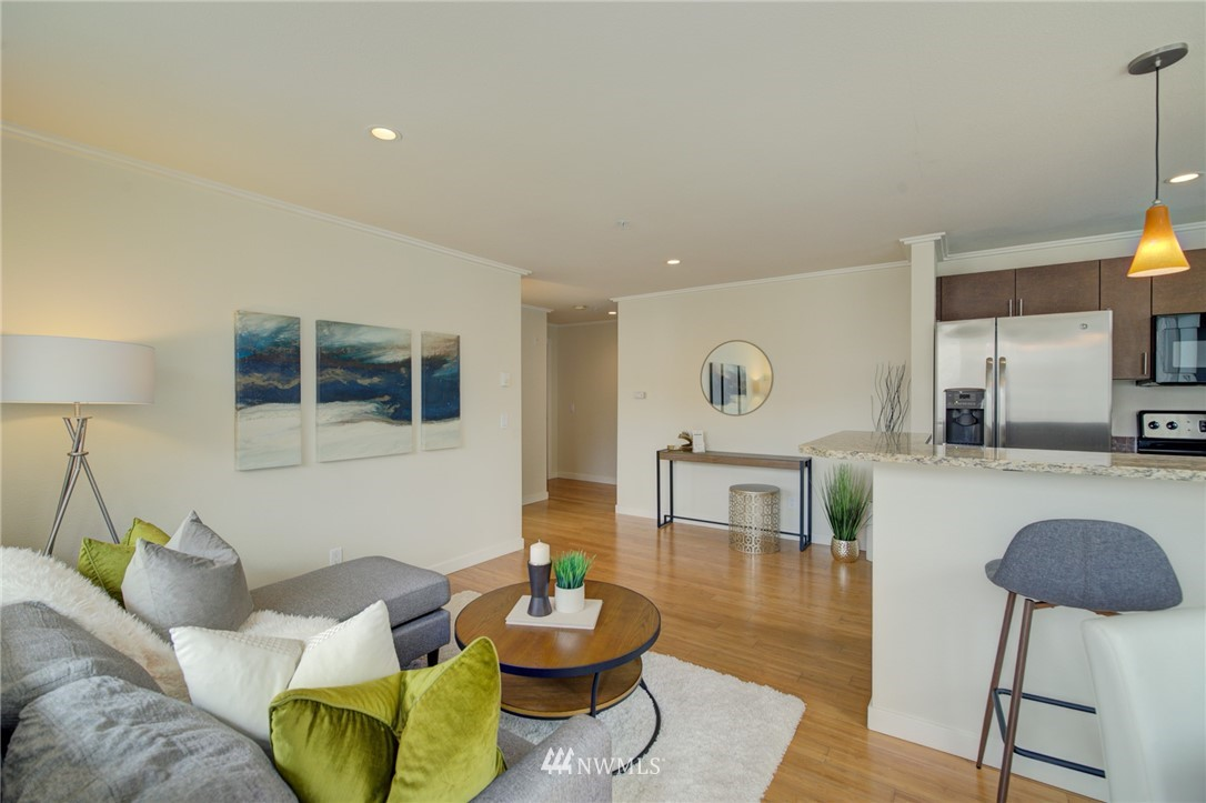 Pending | 626 4th Avenue W #303 Seattle, WA 98119 1