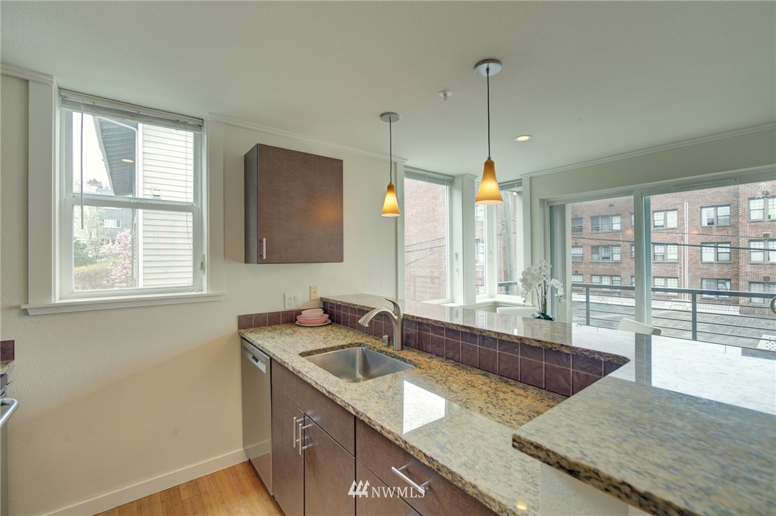 Pending | 626 4th Avenue W #303 Seattle, WA 98119 2