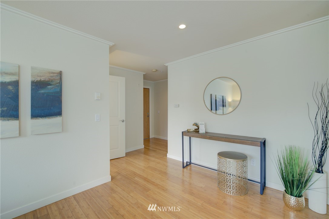 Pending | 626 4th Avenue W #303 Seattle, WA 98119 11