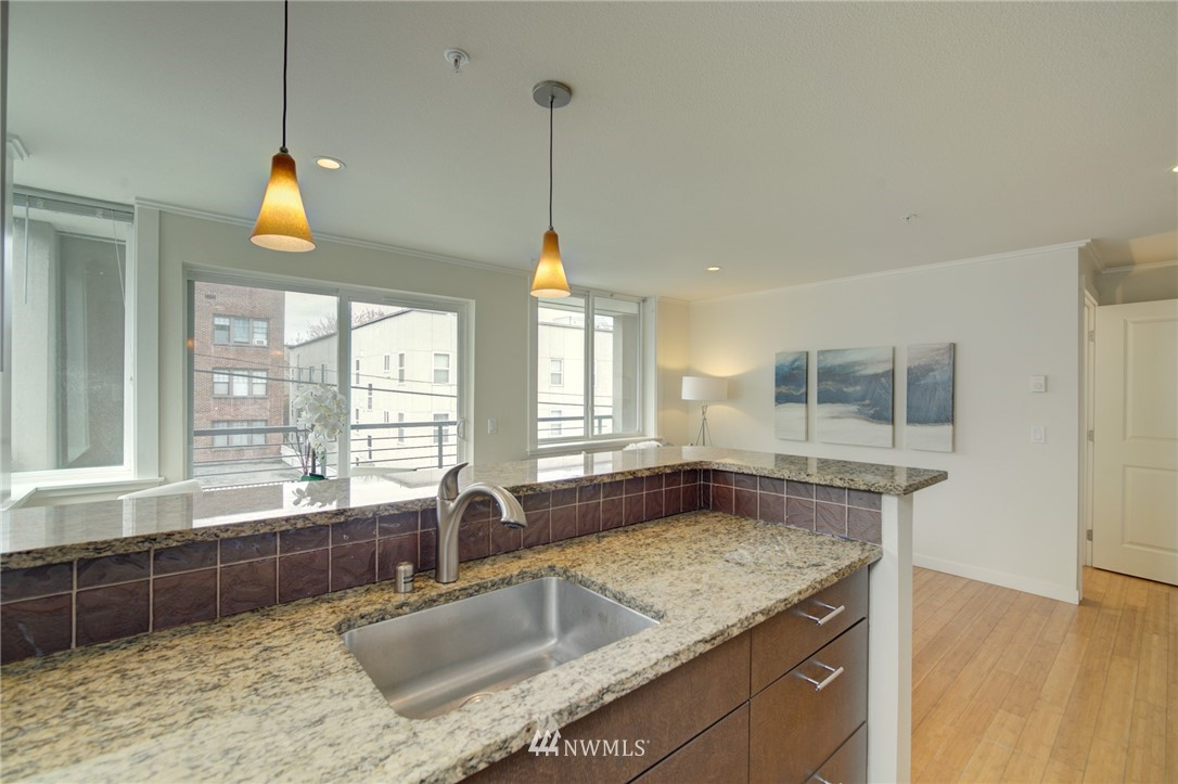 Pending | 626 4th Avenue W #303 Seattle, WA 98119 9