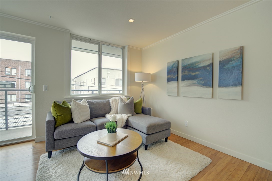 Pending | 626 4th Avenue W #303 Seattle, WA 98119 8