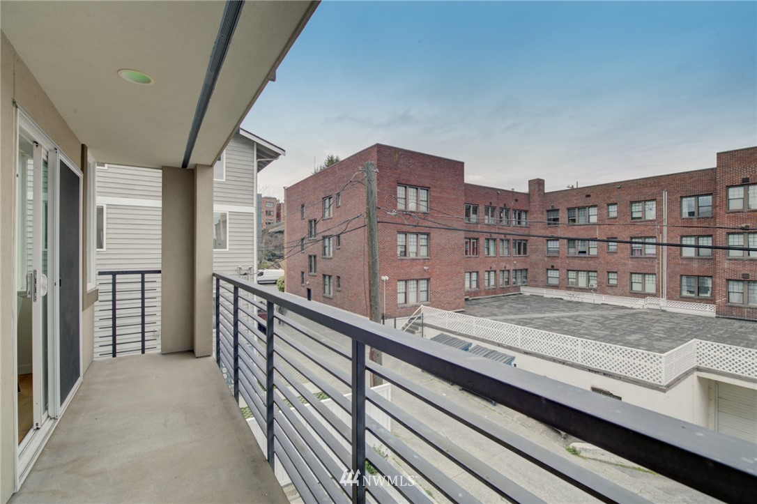 Pending | 626 4th Avenue W #303 Seattle, WA 98119 20